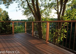 This railing combines cedar and aluminum for a modern and natural appearance.